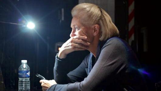 Elisabeth Badinter dans les coulisses du Théâtre de l'Odéon, à Paris, le 14 octobre. | Pascal Brami/Odéon-Théâtre de l'Europe