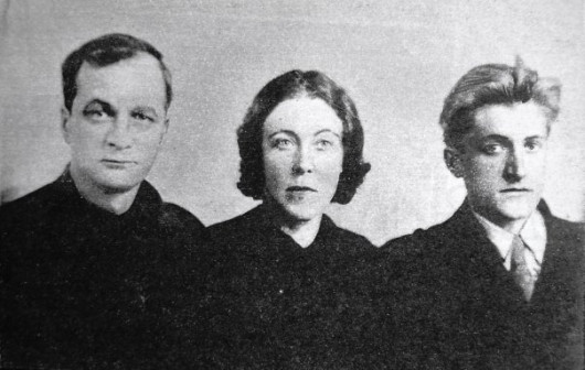 А. Платонов, его жена и сын, 1942