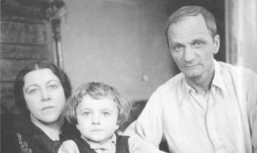 Андрей Платонов с женой и дочерью. Фото: platonov-ap.ru